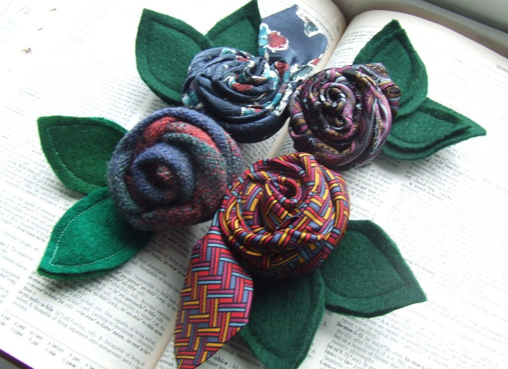 economico in vendita corrispondenza di colore vasta selezione 11 MODI per riciclare le cravatte vintage - Artangy